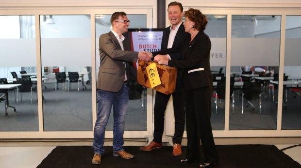 Foto lancering DSIF met Neelie Kroes